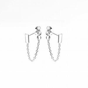 Zilveren oorknoppen met ketting rechthoek